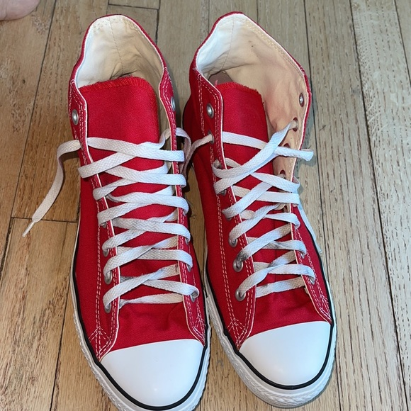 Converse sneakers high top size 10 like new